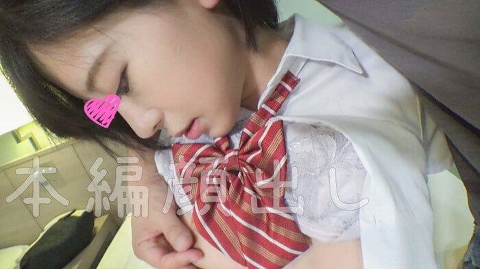 ショートカット女子校生・佐々木れいが制服姿で乳首いじられる(素人AV「まどか(18)」)