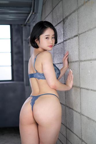 ショートカットAV「MINAMO 超大型新人 AV DEBUT【圧倒的4K映像でヌク!】」の3番目のサンプル画像